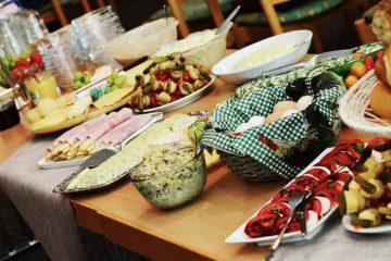 alternative wedding catering idea: afternoon buffet - weddingfor1000.com