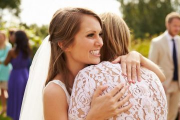 How to be an awesome mother of the bride - weddingfor1000.com