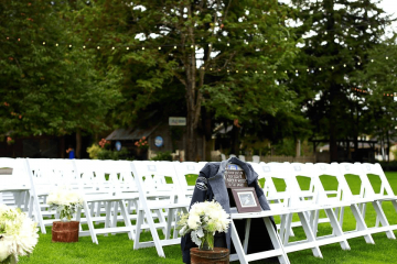 How to keep the memory of special loved ones alive at your wedding - weddingfor1000.com