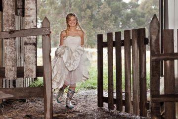 diy project: wedding wellies - weddingfor1000.com