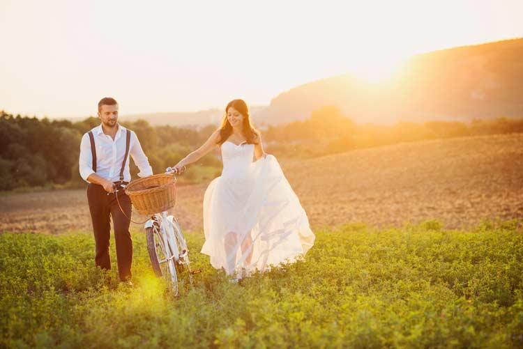 Affordable Wedding Transportation Ideas - weddingfor1000.com